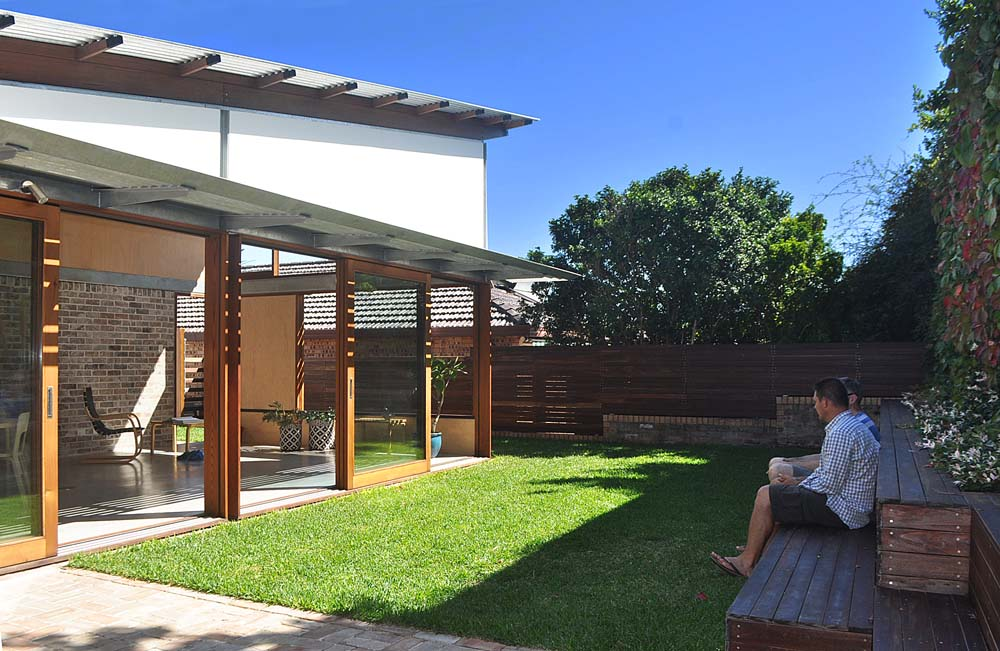licensed builders sydney Marrickville Home Renovation - Sit out in the backyard - Clockwork Constructions