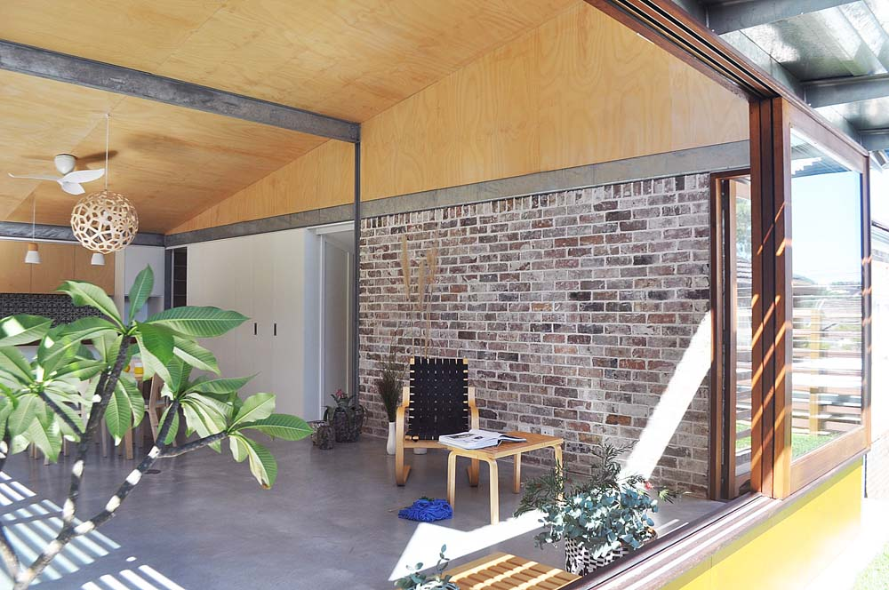 top australian construction companies Marrickville Home renovation - brickwork in dining area with attached kitchen - Clockwork Constructions