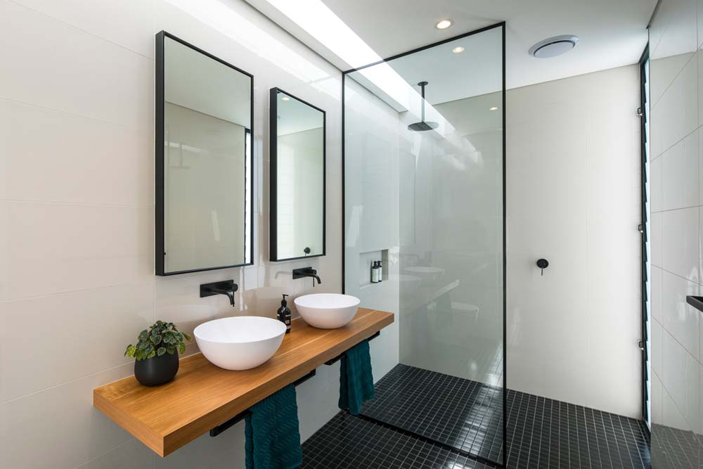 sydney constructions - new home builders Cronulla Duplex - home renovation with simplistic bathroom fittings - Clockworks Constructions