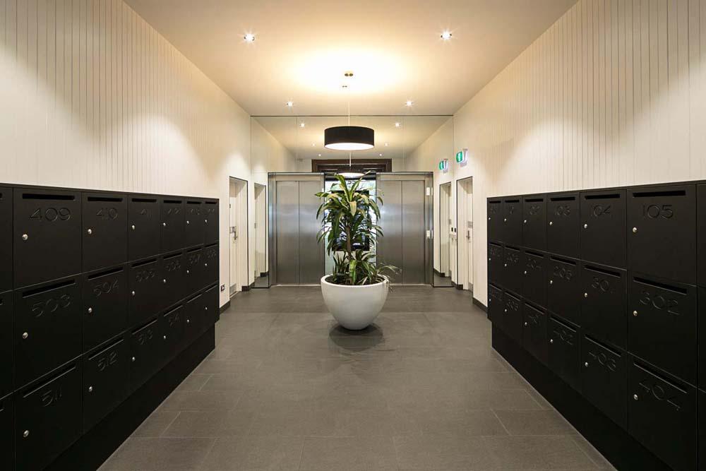 Holt Street - Commercial Renovation - locker room foyer