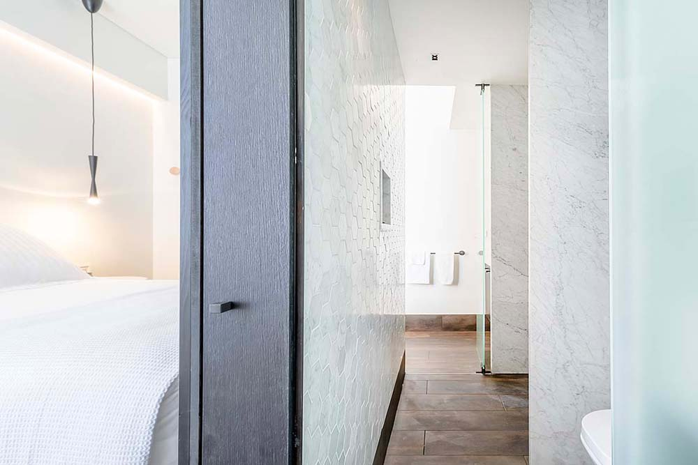Castlereagh boutique hotel bathroom and bedroom renovation - Hospitality renovation