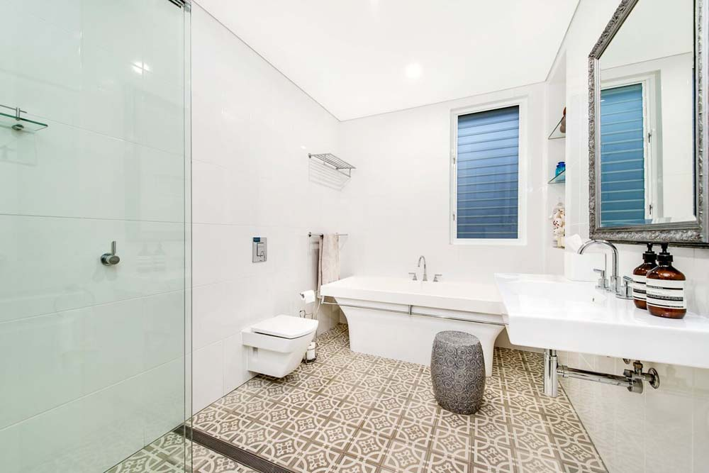 Erskinville Bathroom - Simple elegantly designed bathroom - Home Renovation